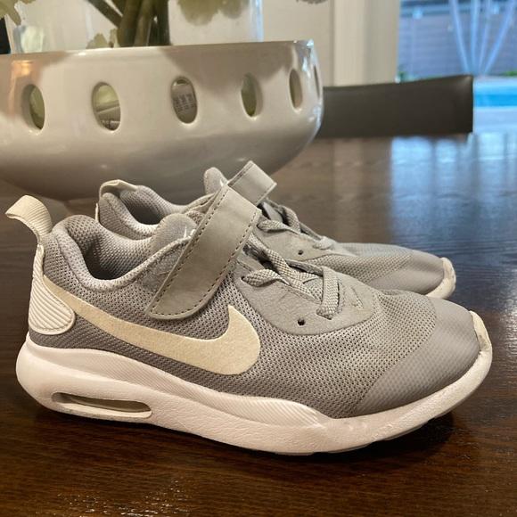Nike Shoes | Boys Air Max Oketo Size 12